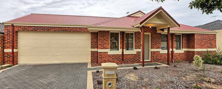 HOME OPEN CANCELLED! UNDER OFFER! Walk To Everything