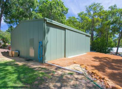 Privately Positioned with Powered Workshop